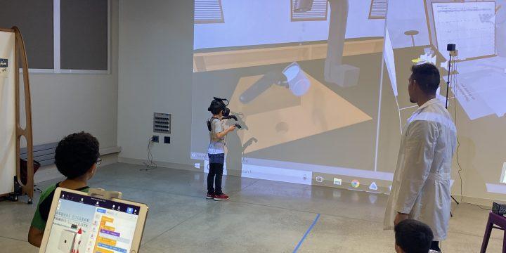 Elliot Hu-Au: VR Chemistry Lab